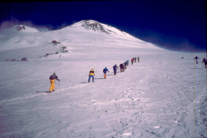 elbrus race 1990 headingtowardsummit